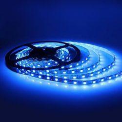 5 méteres SMD LED szalag adapterrel kék színben