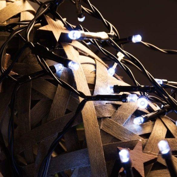 Karácsonyi fényfüzér 96 LED-es / hideg fehér / 7,5 m / elemes változat / kül- és beltérre