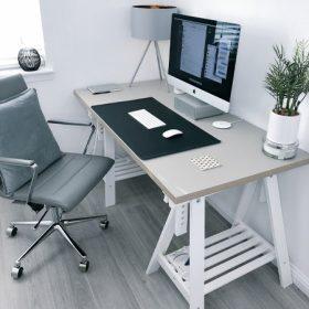Asztalok és munkaállomások